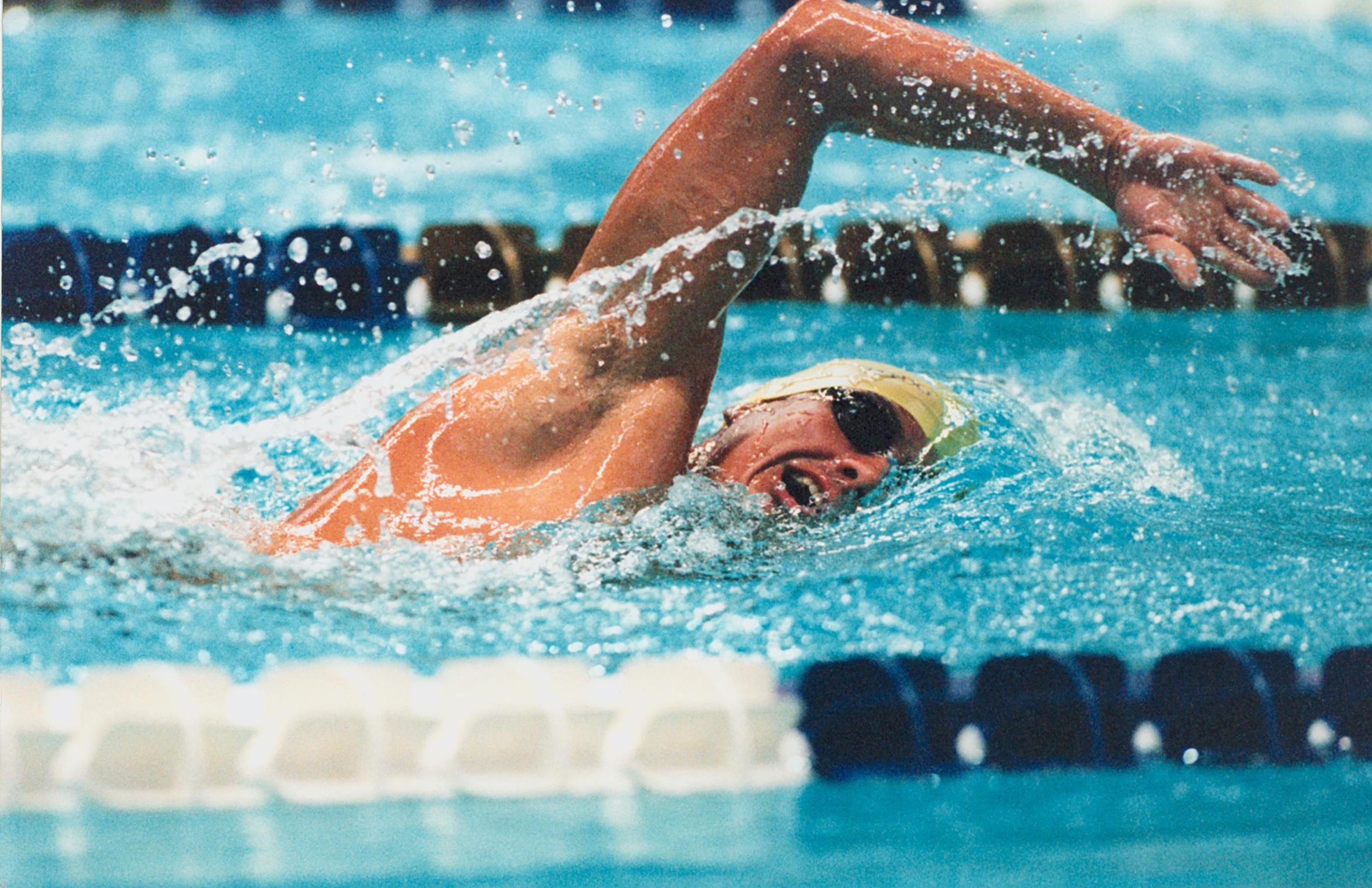 دور زدن شناور در مسابقات آبهای آزاد