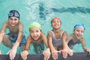 ۱۲ نکته که باعث می شود اولیاء خوبی برای فرزند شناگرتان باشید