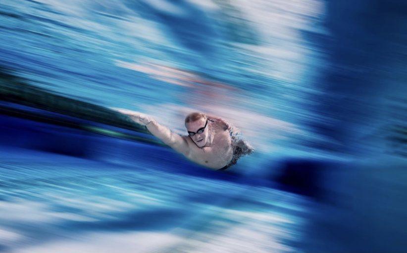 چگونه میتوان بیش از حد فکر کردن را متوقف و سریع شنا کرد؟